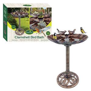 Clamshell Design Bird Bath