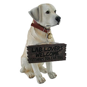 Labrador Garden Welcome Statue