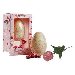 Baileys Strawberry and Cream Easter Egg