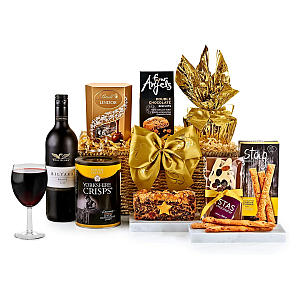 Chedworth Hamper with Red Wine