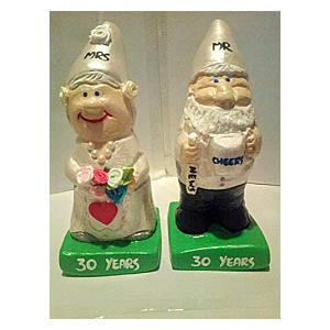 Mr & Mrs Anniversary Gnomes