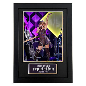 Taylor Swift Autograph Photo