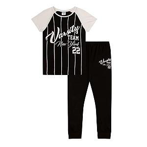 Teenage Girl's Pyjama Set