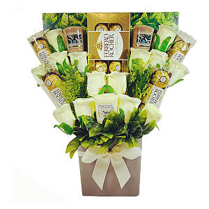 The Yankee Candle Selection Bouquet Gift Hamper